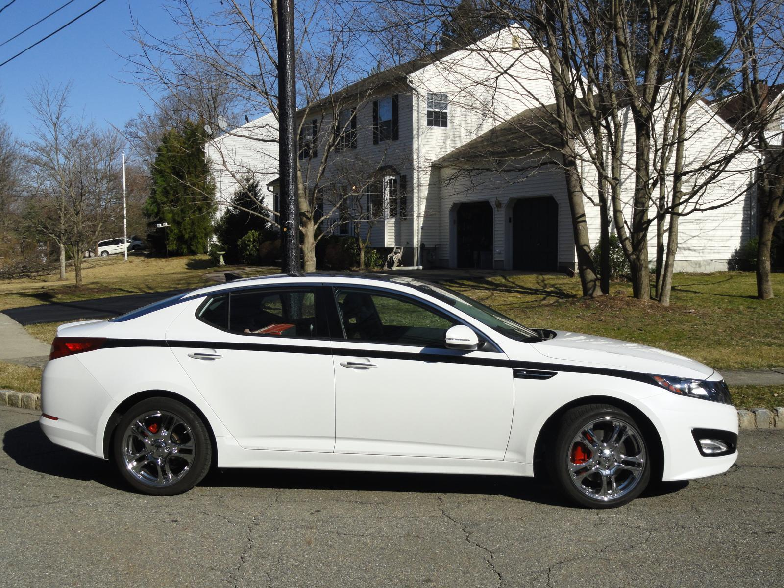 Click Image For Larger Version Name: 031412 Red Calipers On Optima (10).
