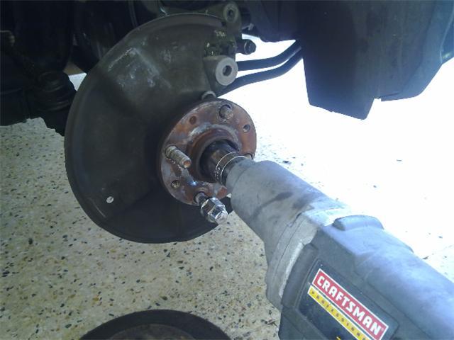 Incorrect way to change a lug nut bolt/stud. - Kia Forum