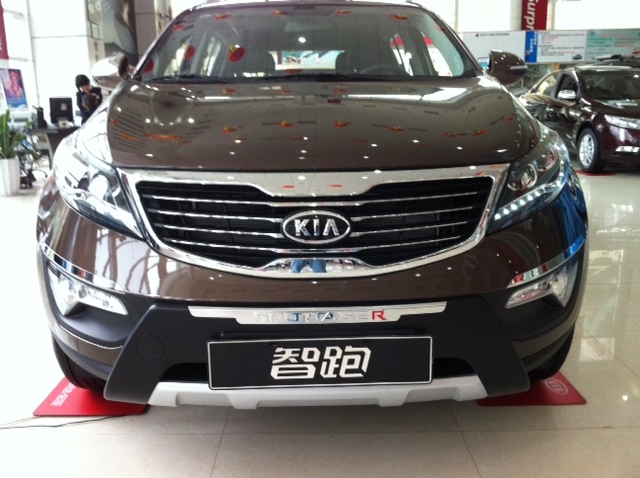 http://www.kia-forums.com/attachments/3g-2011-sportage/10926d1331015728-kia-sportage-ex-2011-model-drl-drl-2.jpg