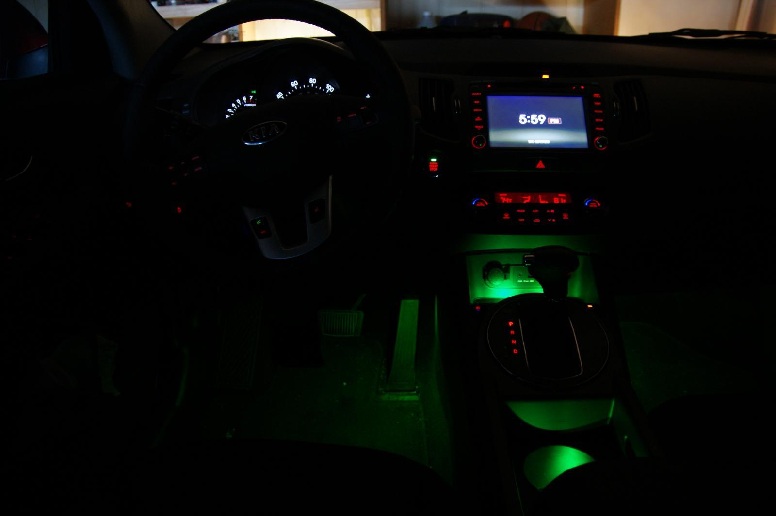 Kia Sorento: Interior lights