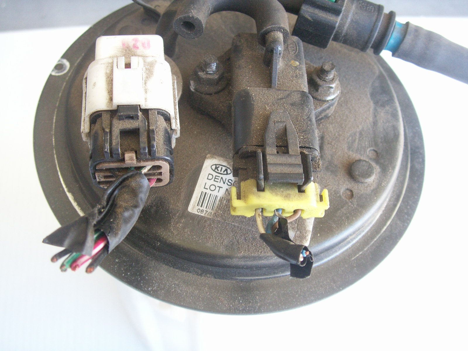 4939d1261507926 flue gage now working 2002 kia fuel pump 006 fuel gage showing wrong after 1 2 tank kia forum spectra fuel pump wiring diagram at virtualis.co